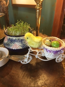 The decor was had adorable li'l chicks riding bycycles carrying Easter eggs